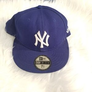 NEW YORK YANKEES HAT, color blue white logo, hat